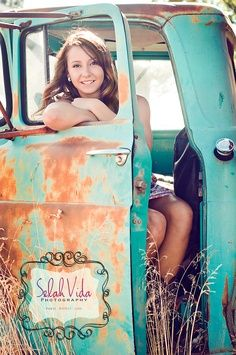 country girl senior pictures | senior pic...would be awesome in vintage truck in the country