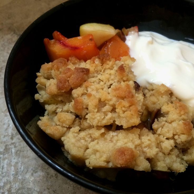 Crumble with fruit