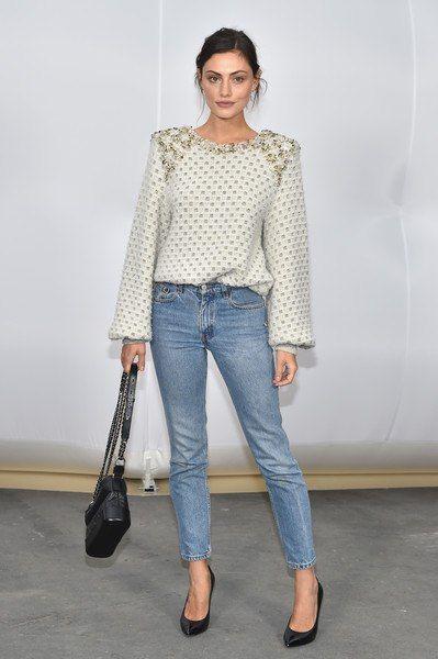 Неделя моды в Париже: Ванесса Паради, Лили-Роуз Депп, Кара Делевинь, София Коппола и другие на показе Chanel осень-зима 2017/2018