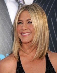If I were to cut my hair short- this would be it. Long bob with layers.