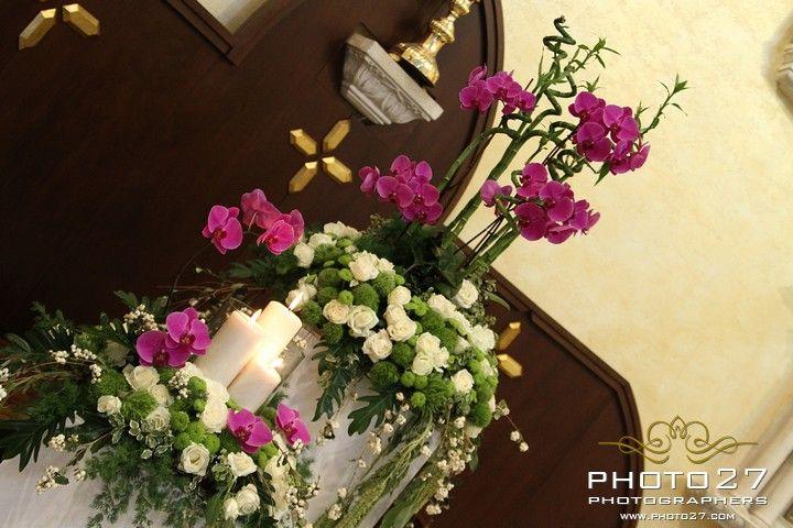 Floral arrangement with phalaenopsis orchids