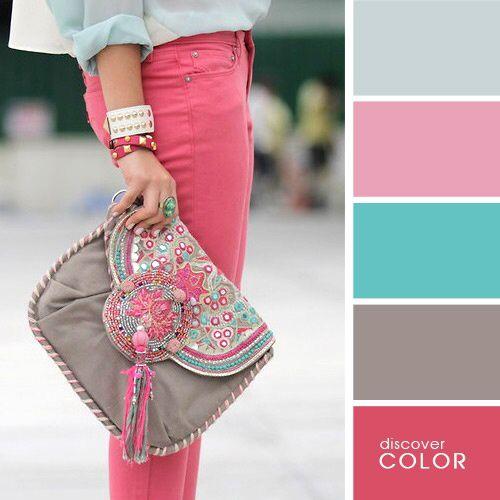 Combina colores. Pantalón rosa, topo y verde agua
