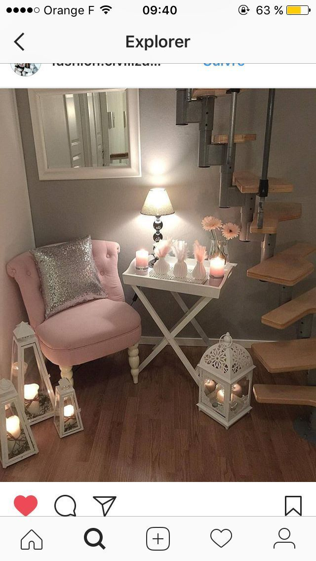 Set up for a corner: chair, mirror, table and lamp – rachel