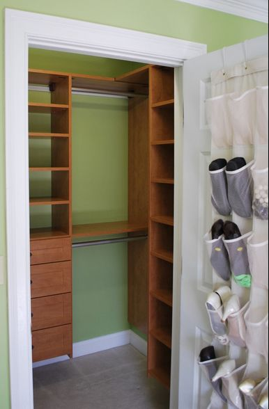 using the side wall in small closet= more space