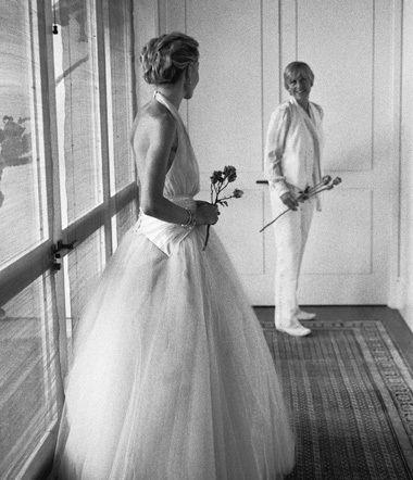 Ellen DeGeneres & Portia de Rossi (August 16, 2008) Gown & Suit: Zac Posen   Location: LA   Status: Married