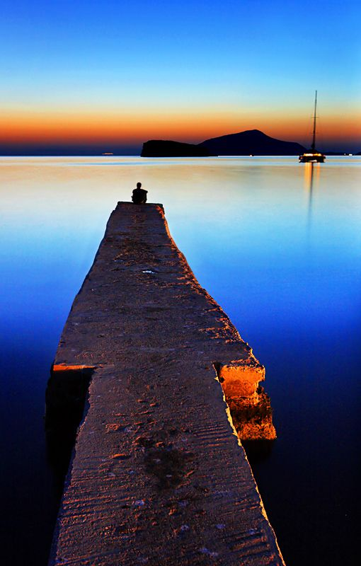Sitting on the dock of the bay, watching the tide roll away... - Sounion Cape, Attiki
