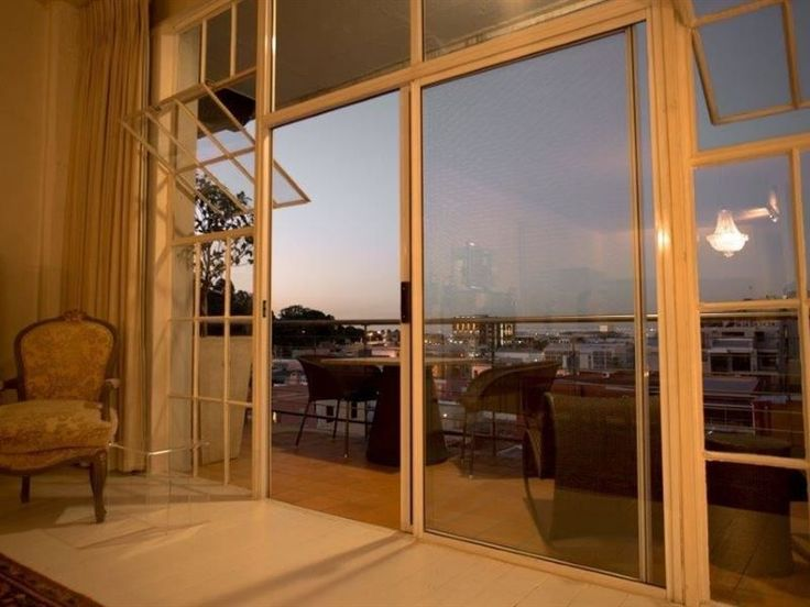 Rose Studios - Rose Studios is a lovely studio apartment situated in the heart of the city near the V&A waterfront and Green Point Stadium. The studio apartment offers self-catering accommodation ideal for a couple or ... #weekendgetaways #capetown #southafrica