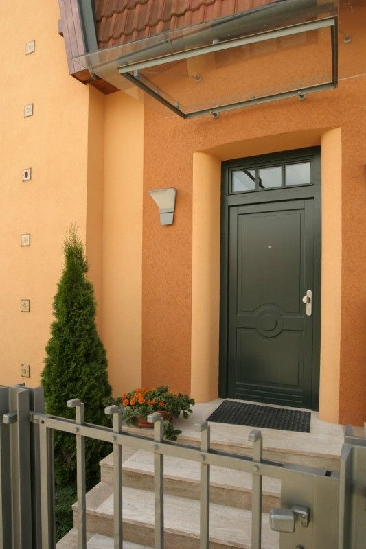 Ukázka z naší výroby dřevěných vchodových dveří