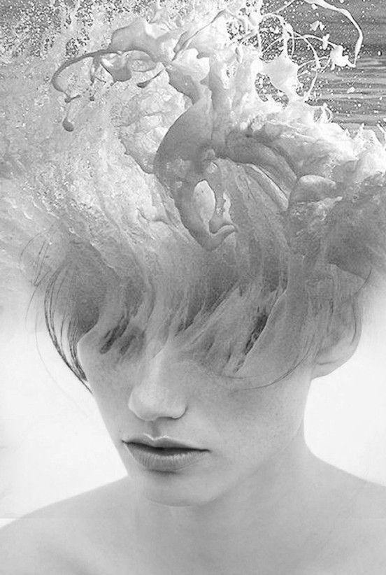 """""""Portraits de Rêve"""" de Antonio Mora, 2014  // Mélange // """"Nous voyons des appariements inhabituels où les moitiés inférieures de visages humains sont fusionnées avec des cascades, des paysages urbains, des roches du désert, et plus encore. Les résultats sont des photographies magnifiquement oniriques qui sont intemporelles."""""""