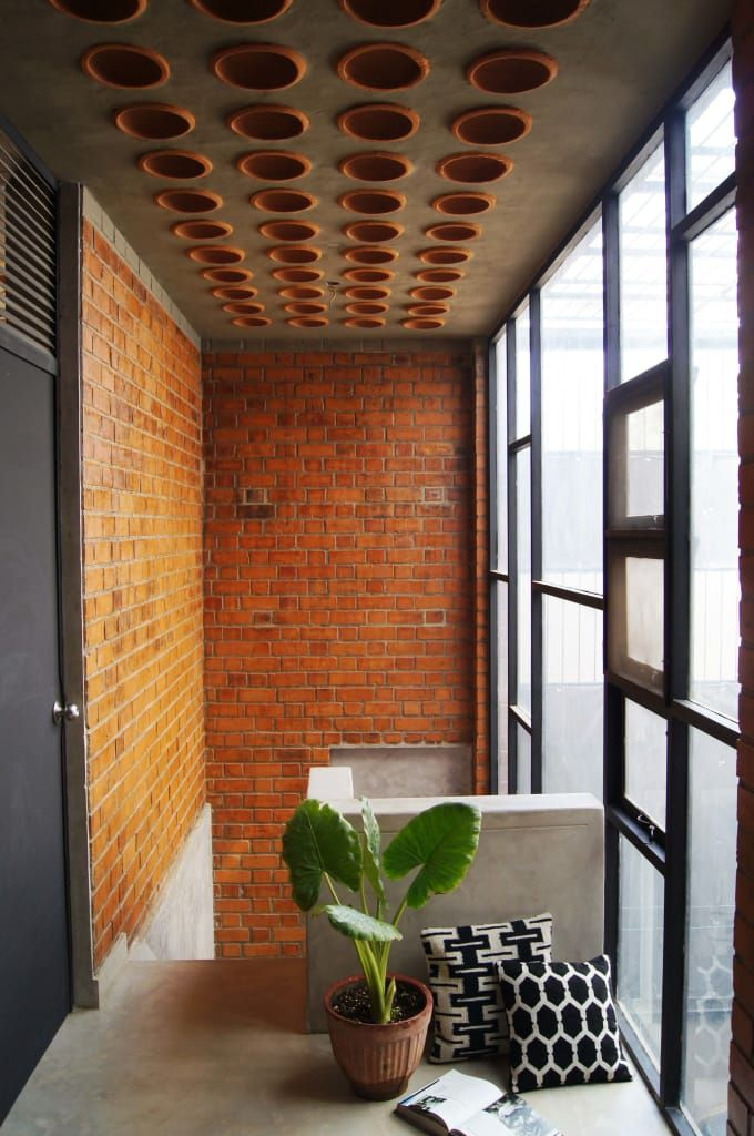 Corridor Roof Design: House For A Mother: Corridor & Hallway By Studio4a In 2019