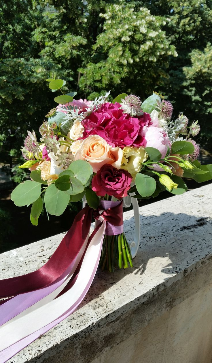 Buchet de mireasa/Bride bouquet/wedding flowers  www.belovedevents.ro https://www.facebook.com/BeLovedEventsRO/
