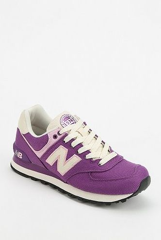 New balance sneakers- 25 Pantone Color of the Year Style Picks