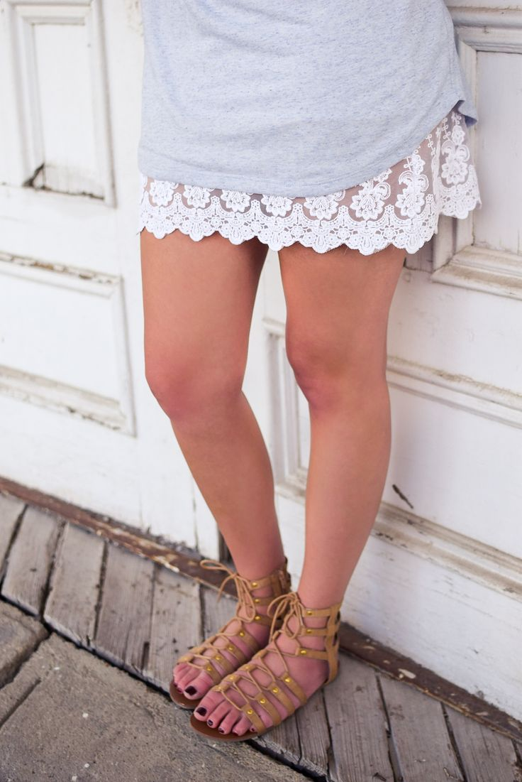Love this lace dress extender to add a little something special. Style with a t-shirt dress & gladiator sandals! { lacistreet.com }