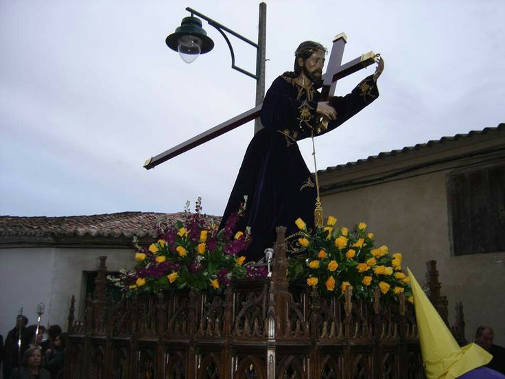 Nazareno de Villaralbo Decoración floral realizada por Manolo Florista