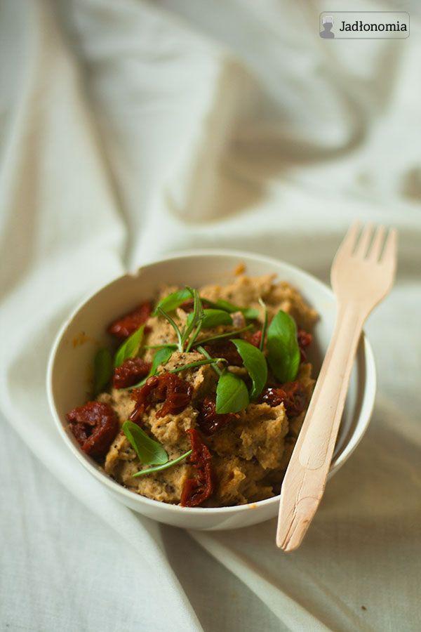 jadłonomia · roślinne przepisy: Pasta z ciecierzycy, co nie jest hummusem