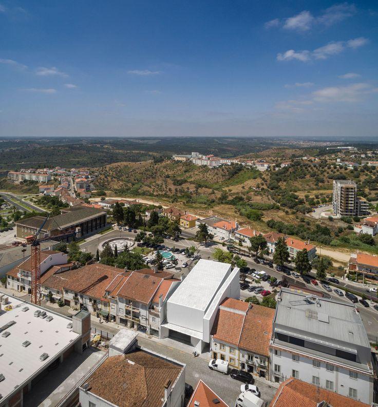 ARX Portugal Arquitectos, Fernando Guerra / FG+SG · Abrantes Municipal Market · Divisare