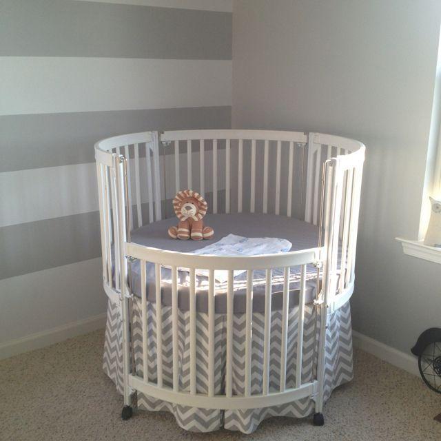 Round Cribs For Modern Baby Nursery In 2020 Baby Crib Diy Round