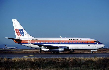 United 737-200 in the 1974–1993 Rainbow Scheme. Seen here at SFO 1983