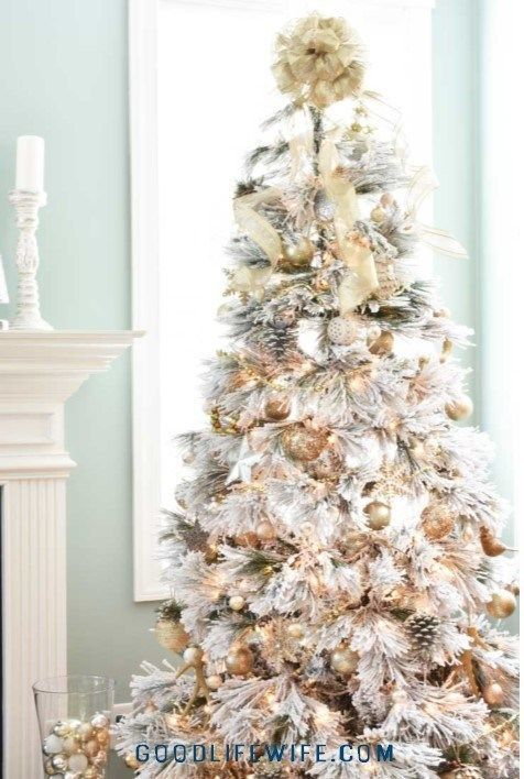 How To Pick The Best Flocked Christmas Tree Gorgeous Gold White And Silver Decorations