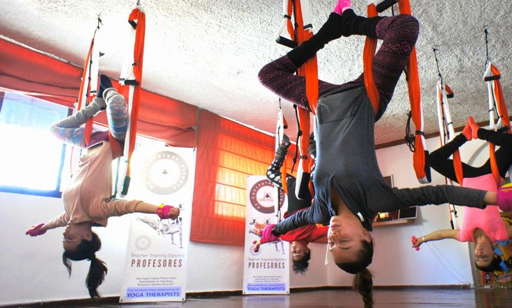 yoga aereo inversiones, #yoga #Fitness #rafaelmartinez #teacherstraining #gym #INVERSIONS #AERIALYOGA #Aerial #aerien #luft #yogaacrobatico #acro #ACROBATIC #acrobatico #pilatesaereo #Pilates #formacion #certificación #fly #volar