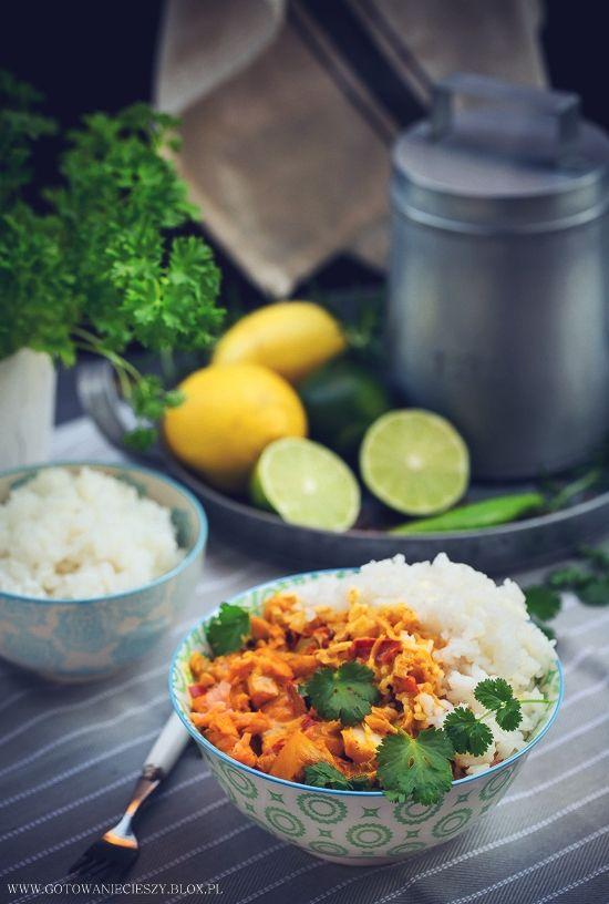 Ostatnio serwuję Wam na blogu troszkę więcej smaków azjatyckich, ale mam nadzieję, że przyjmiecie je z zainteresowaniem, ponieważ nie tylko są to dania bardzo