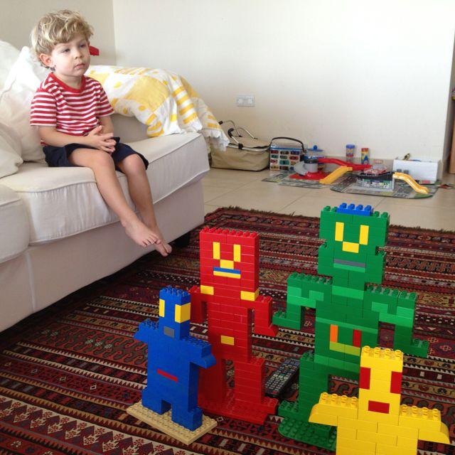 Making Duplo robots!