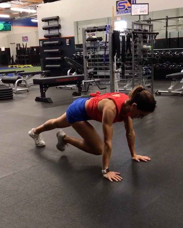 "21.9k Likes, 353 Comments - Alexia Clark (@alexia_clark) on Instagram: ""Core Werrk 1. 8 each side 2. 15 reps 3. 10 each side 4. 10 each side 3-4 rounds #alexiaclark…"""