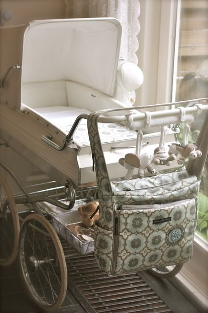 Vintage Stroller with my new bag from Petunia Pickle Blossom www.24homes.nl