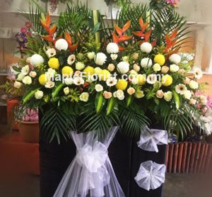 Send a deluxe condolences flowers with stand for same day flowers delivery to anywhere in Malaysia, Order & Send flowers today. Best Prices! premium quality flowers in Malaysia. Delivery coverage: Within Malaysia