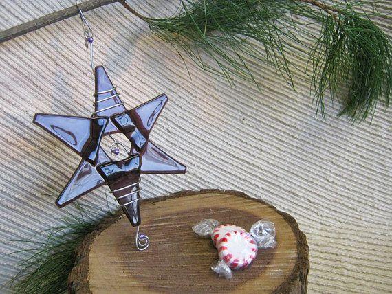 Wedding Decoration / Fairy Garden / Glass Star Medium / Suncatcher - Purple Glass, Silver Wire with Lavender accent beads
