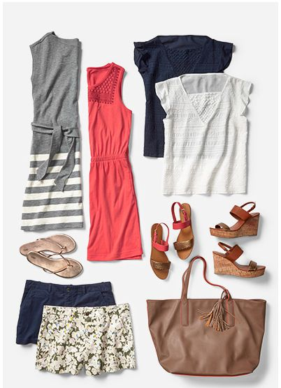 Warm weather travel capsule wardrobe inspiration @ GAP #capsulewardrobe #outfitideas #vacationoutfitideas