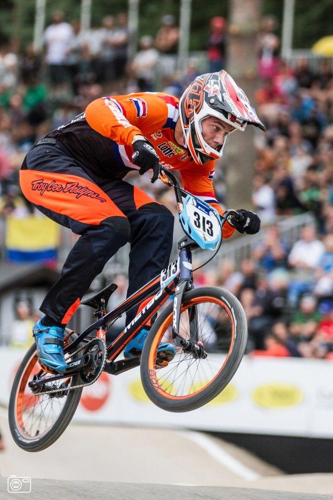 Niek Kimman debuteert op het WK BMX en grijpt meteen de wereldtitel!