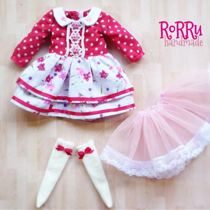 Springtime dress Fuchsia set (dress + petit coat + socks) ☺️ #blythe #blythedoll #dolloutfit #sewing #rorruhandmade  via ✨ @padgram ✨(http://dl.padgram.com)