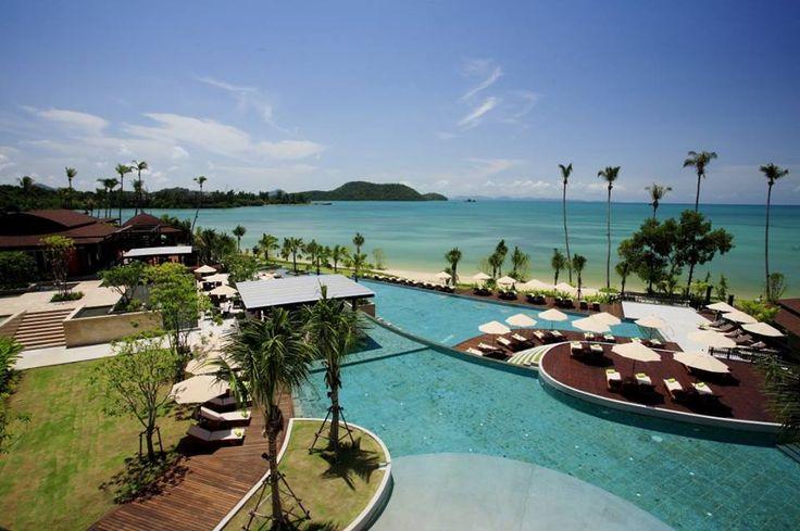 Find great 𝐑𝐚𝐝𝐢𝐬𝐬𝐨𝐧 𝐁𝐥𝐮 𝐑𝐞𝐬𝐨𝐫𝐭 𝐅𝐢𝐣𝐢 𝐃𝐞𝐧𝐚𝐫𝐚𝐮 𝐈𝐬𝐥𝐚𝐧𝐝 deals today  #travel #tourism #travelblogger #traveltheworld #travelling #trip #tourist #arountheworld #beauty #worldplaces #traveller #traveler #hotel #luxuryhotel