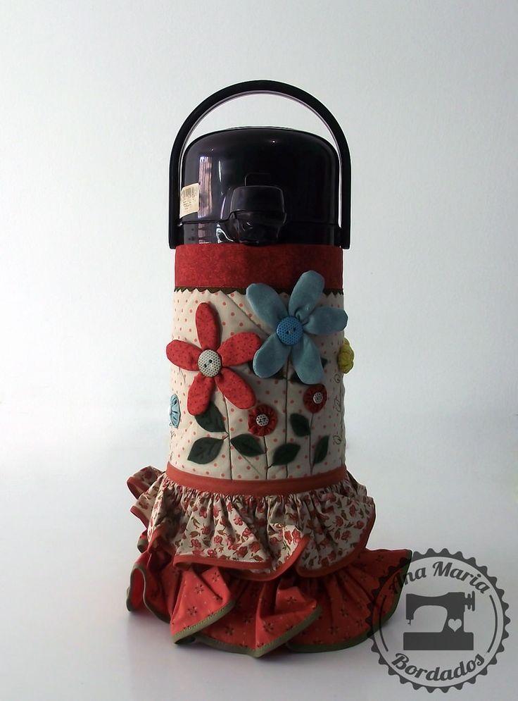 https://flic.kr/p/pabGFg | Capa de Térmica - Flores do Campo | Capa de Térmica - Flores do Campo  Deixe seu chimarrão mais florido com esta capa para garrafa térmica da Ana Maria Bordados. Também serve para o chá ou o cafezinho! Compre agora aqui: www.anamariabordados.com.br/pd-10eb97-capa-de-termica-flo...  #artesanato #chimarrão #coisalinda