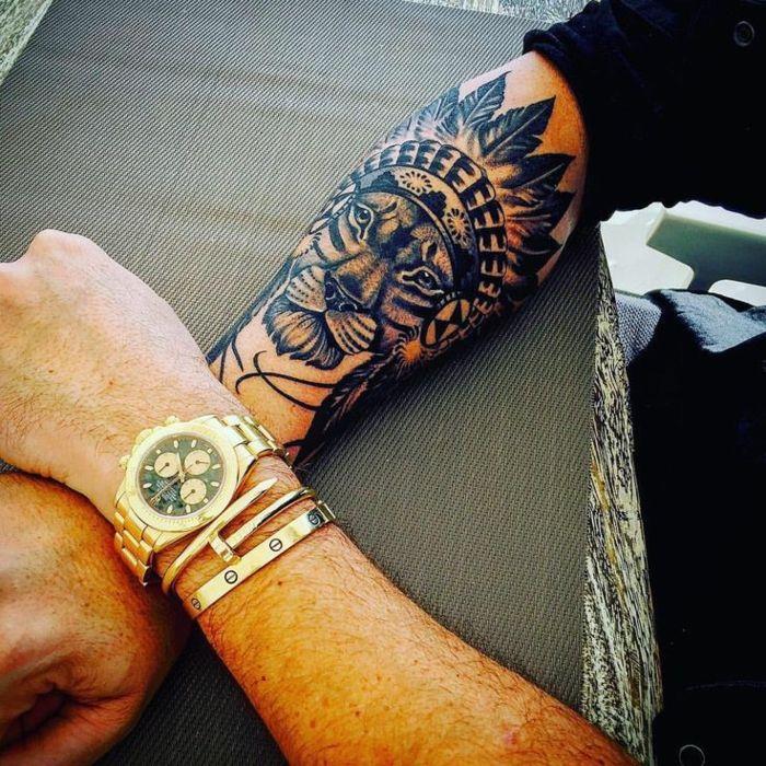 Les 25 meilleures id es de la cat gorie tatouage de lionne - Tatouage lion epaule ...