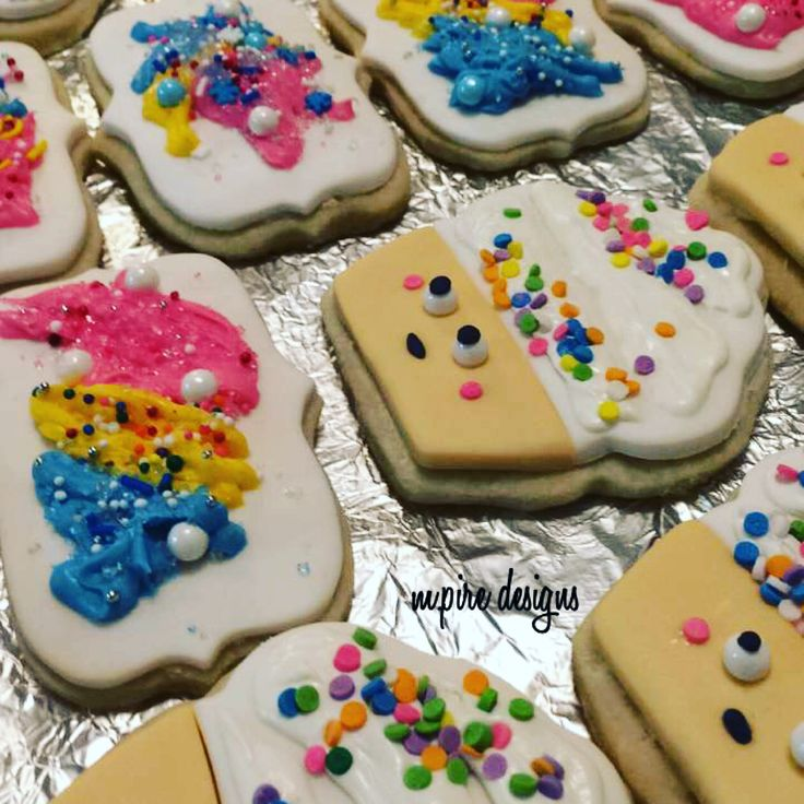 About last night... #cookies #shortbreadcookies #shortbread #cupcakecookies #splattercookies #personalized #custom #ediblefavors #edible #bitesize #mini #treats #weddings #events #corporate #kidsparty #kidsparties #bridalshower #babyshower #birthdays #anniversary #favors #torontoblog #toronto #blog #etsy #etsyseller #etsysellersofinstagram #mpiredesigns