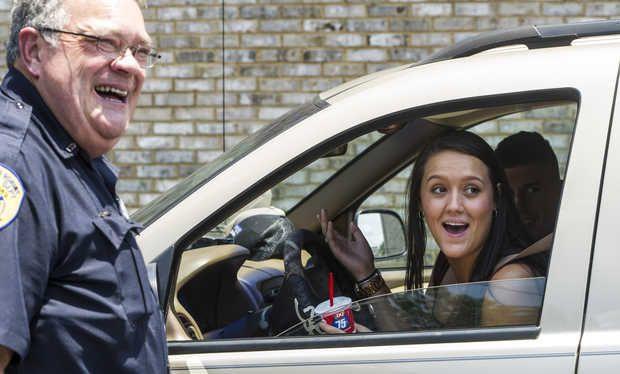 warner ga police hand out ice cream - Google Search