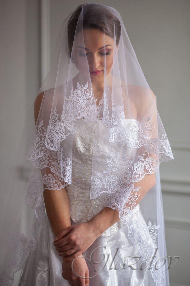 Свадебная фата вышитая by GLAZDOV on Etsy #Embroidered_wedding_veil #wedding_veil