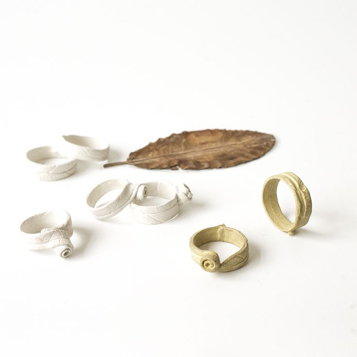 Design proces, imprint of a leaf in 14 krt gold. The leaf is a souvenir from the botanical gardens in Lisbon. (Wedding rings)