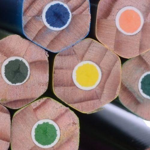 Vastag és vékony színes ceruza készlet