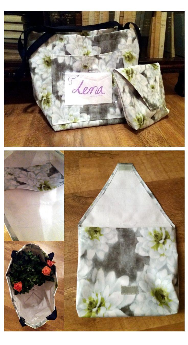 Väska + necessär till gumors födelsedag. Mönster ur: Sy i vaxduk (2011, Österberg)