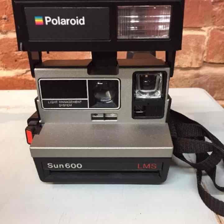 17 best ideas about polaroid cameras on pinterest poloroid camera polaroid and instant camera. Black Bedroom Furniture Sets. Home Design Ideas