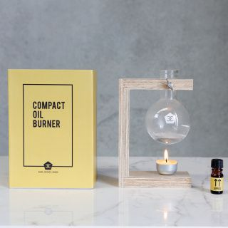 With a Wellbeing focus the Compact Oil Burner has been created with a sustainable ethos and minimal aesthetic. It facilitates the simple act of daily ritual and relaxation… So wake up and smell the roses. Unit comes assembled ready for use. Comes with lavender essential oil.