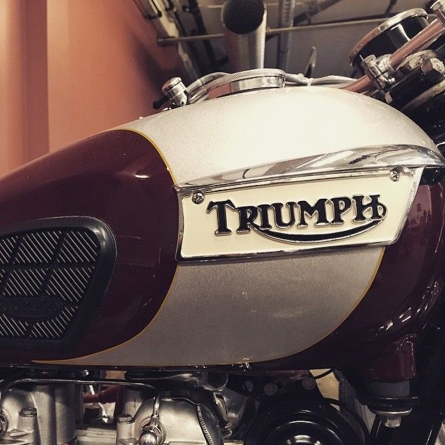 Classic Bonnie - Getting some love!  Hashtags  #lifeontwowheels #okanagan #lovewherewelive #handcrafted #motorcycle #lifestyle  #okanaganlifestyle #beautifulBC #whyweride  #theroadishome #lifeofadventure #werideeverything #peopleofthewest#triumph #bonneville