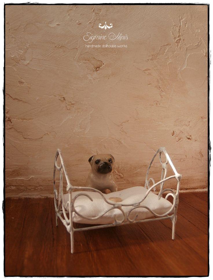 miniature dogbed for Mörfi