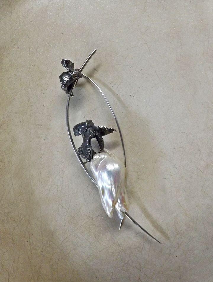 Sterling silver pin - pendant, baroque pearl, by Bon Ton Joyaux