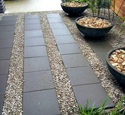 Gravel and concrete paver patio