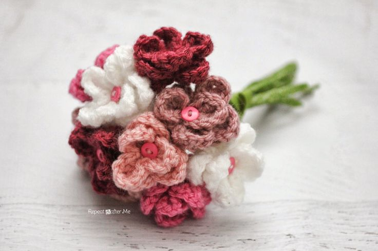 Repeat Crafter Me: Crochet Flower Bouquet ~Tutorial ~