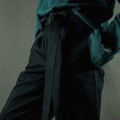 ジョン ローレンス サリバンからオーバーサイズシャツやパンツ - グリーンやボルドーの鮮やかな色彩の写真2
